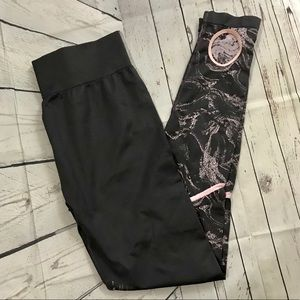 Fabletics Seamless Printed Legging Pink Gray large